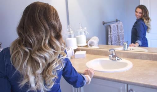 Beautiful hot roller curls | YummyMummyClub.ca