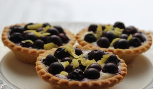 Ricotta_Blueberry_Tarts