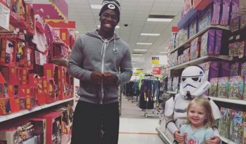 Purdue University freshman student Tario Fuller II's random act of kindness goes viral on Facebook | Social Media| YummyMummyClub.ca