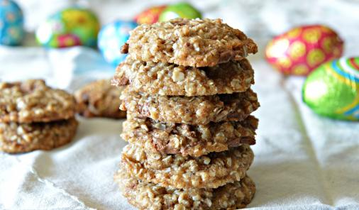 Extra Easter Candy? There's a recipe for that! TheseChocolate Chunk Coconut Cookies will help you use up your candy. | YMCFood | YummyMummyClub.ca