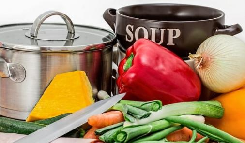 AR - Empty the Fridge and make 'Everything Soup' is a great, healthy way to use up vegetables in your fridge and make a quick hot weeknight dinner! | YMCFood | YummyMummyClub.ca