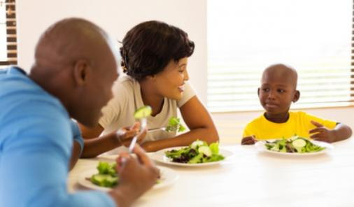 Why Family Dinners Can Suck But Should Do Them Anyway | YummyMummyClub.ca