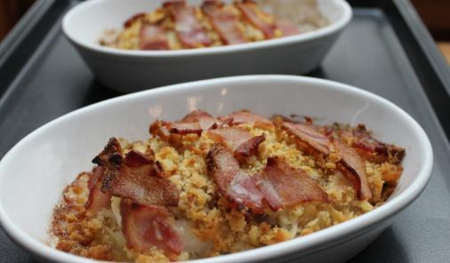 Fish fillets with bacon