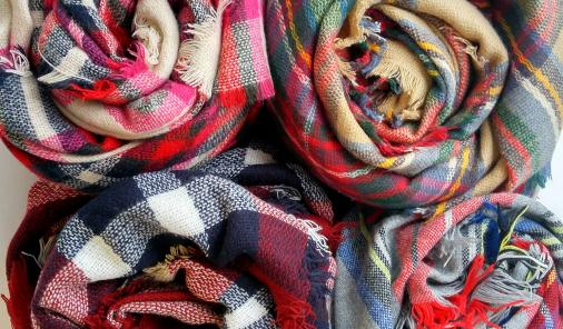 They're the perfect trendy and functional winter accessory.   Style   YummyMummyClub.ca