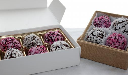 Packed with protein, potassium and fibre, this easy decadent truffle dessert is gluten free, has no refined sugar, and no guilt!   YMCFood   YummyMummyClub.ca