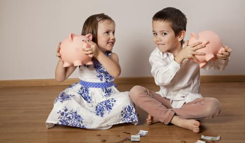 7 Clever Tips to Help Your Kids Have a Positive Relationship with Money