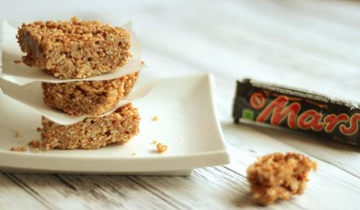 You won't believe how quickly you can whip these Mars Bars Rice Krispies squares up, and how amazing they taste!