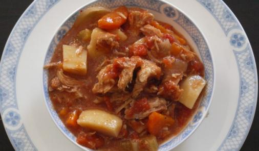 Slow Cooker Pulled Pork Stew - a perfect cold weather weeknight meal recipe that you can set and forget this fall and winter! And to make it kid-friendly, you can serve it over rice or on a bun. | Crockpot | YMCFood | YummyMummyClub.ca