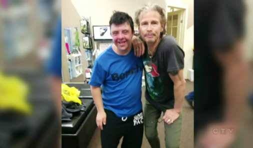 Steven Tyler Makes Fan's Dreams Come True | YummyMummyClub.ca