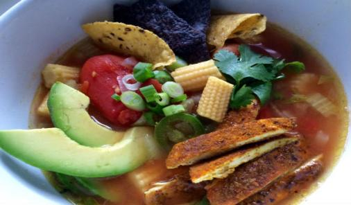 This soup recipe, inspired by the great cuisine of Mexico, will warm you up and bring some sunshine into your week! And it's ready in less than 30 minutes. | YMCFood | YummyMummyClub.ca