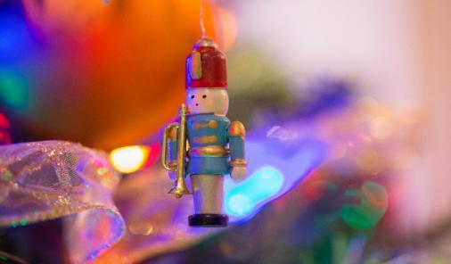photograph your christmas tree