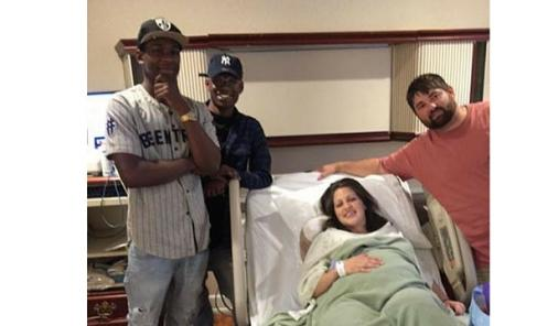 Strangers Show up to Welcome Newborn Baby