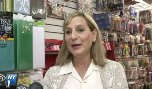 Woman buys entire toy store to donate | YummyMummyClub.ca
