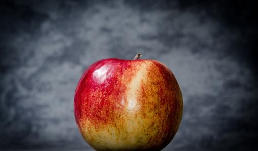 Apples Teach Bullying Lesson | YummyMummyClub.ca