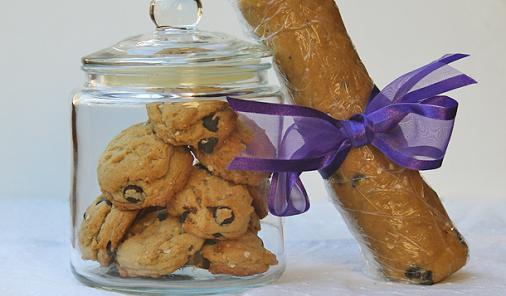 Chewy Dark Chocolate Quinoa Flake Cookies