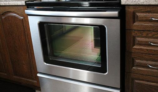 Make Your Oven Door Glass Sparkle with 3 Natural Ingredients