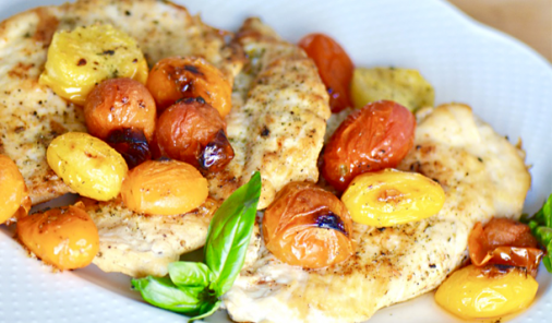 This 30 minute recipe for Skillet Chicken with Roasted Tomatoes is a great super-quick weeknight meal. It's kid-friendly, healthy, and you can make-ahead for lunches, too! | YMC