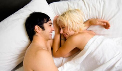 Why Sleeping Naked is Good for You | YummyMummyClub.ca
