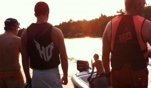 How A Boating Lifestyle Helps Children Develop