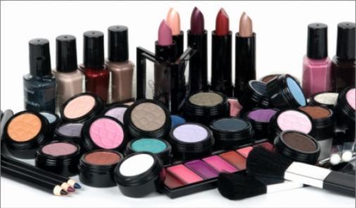 Hot Summer Makeup Tips
