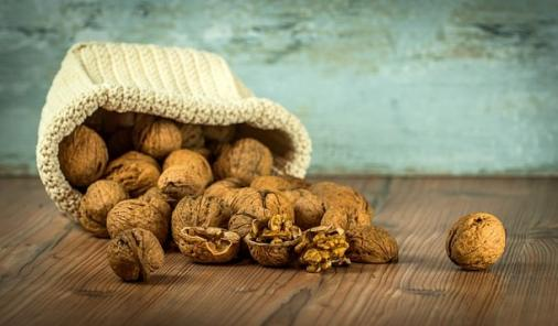 AR -According to a multitude of research, both old and new, walnuts might just be the next nutritional superfood. | Nutrition | Health | YummyMummyClub.ca