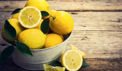 23 Things to Do with Lemons that can brighten (and tasty up) your day! | YMCFood | Life Hacks | YummyMummyClub.ca