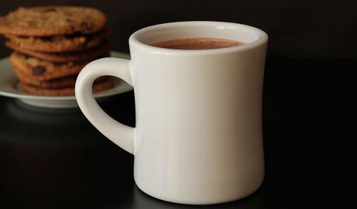 Rich Coconut Milk Hot Chocolate | YummyMummyClub.ca