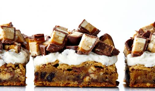 Snickers Blondies Recipe