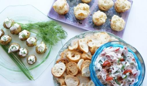 Got a partial tub of sour cream to use up, and no idea what to do with it? These 3 easy recipes will create less food waste and wow unexpected drop-in guests (or even just your family). | YMCFood | YummyMummyClub.ca