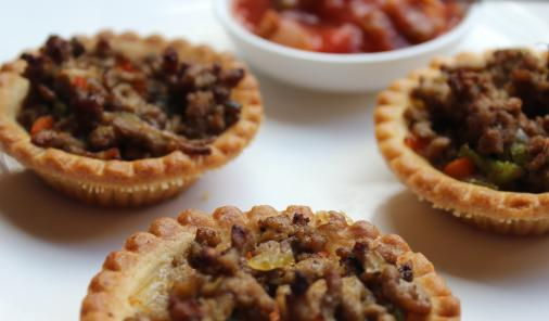Tasty Tourtiere Tarts,the classic French-Canadian meat pie, can be made-ahead and frozen with this recipe for an easy holiday appetizer! | Christmas | YMCFood | YummyMummyClub.ca