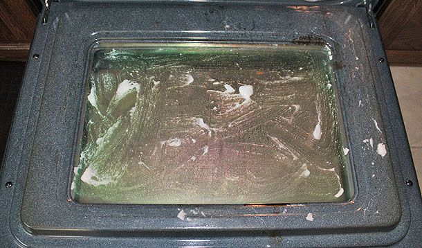 Clean Your Oven Door With 3 Things You Have Now Yummymummyclub