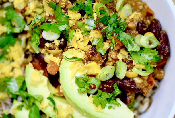 Chile Grain Bowls is a perfect dish for a busy weeknight or a weekend lunch in a hurry. Use leftover chili and rice in the fridge and you'll have a secret weapon recipe that makes a regular appearance on your table. | YMC