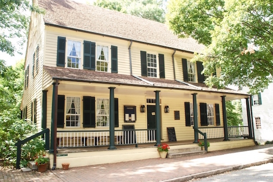 salem tavern - Are you a foodie, or big on history? Need a great place to drive to visit? Why not try Winston-Salem, North Carolina? | Wine _ Food | Travel | YummyMummyClub.ca