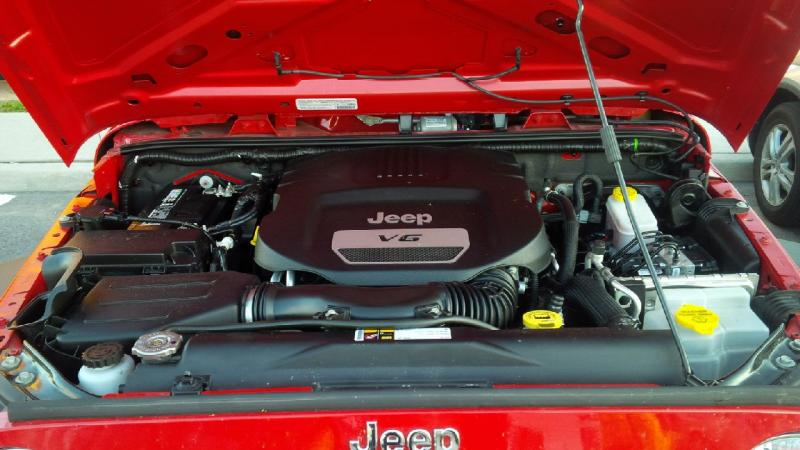 2014 Jeep Wrangler engine bay