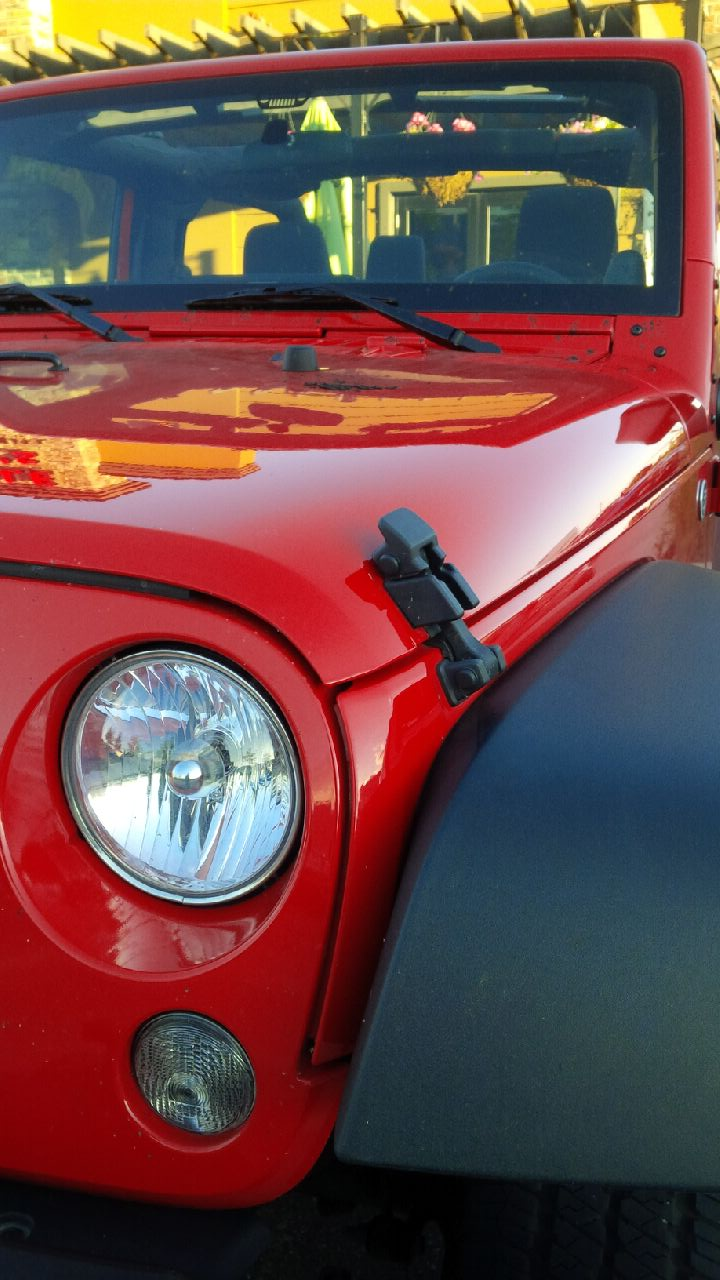 2014 Jeep Wrangler hood latch