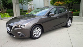 2014 Mazda3 front angle exterior
