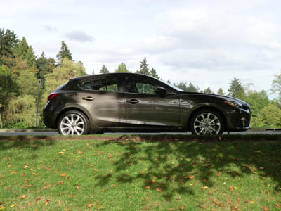 2014 Mazda3 hatchback profile