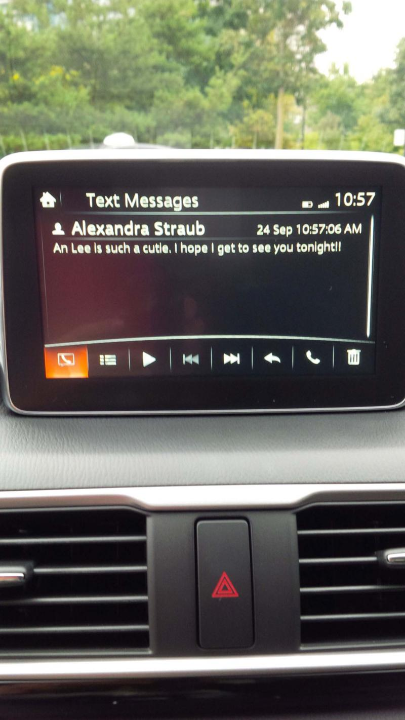 2014 Mazda3 text message display