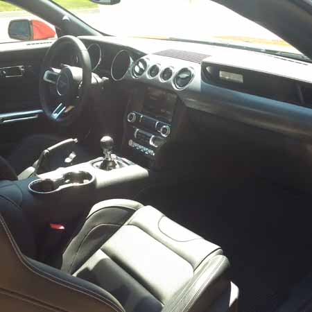 2015 Ford Mustang interior dash