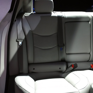 2016 Chevrolet Volt rear bench - Considering an electric car? Put the Chevy Volt up on your list. Here's some of the great features that come with the 2016. | Cars | YummyMummyClub.ca