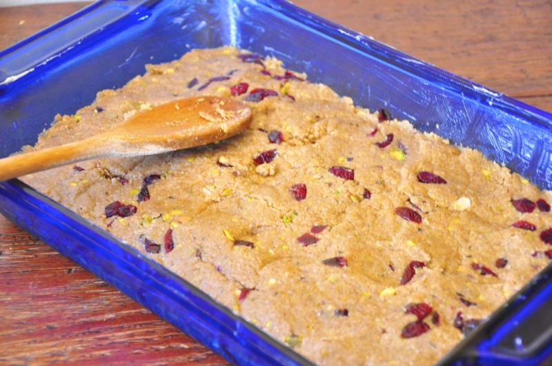 oats, rolled oats, maple syrup, cranberries, pistachios, oat bars, easy recipe, no bake recipe, health snack
