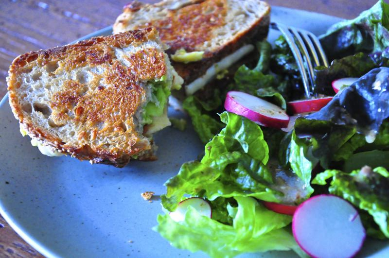 grilled cheese recipe, havarti, avocado, bacon, multigrain bread, salad, delicious, Around The Table, Katja Wulfers