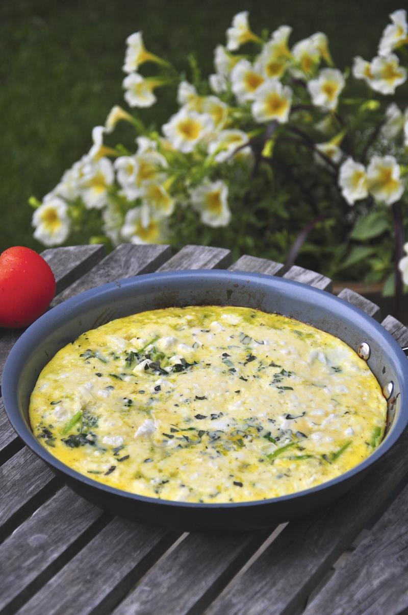 frittatas, spinach, feta, oregano, green onion, easy recipe, quick dinner idea, eggs, Around The Table, Katja Wulfers
