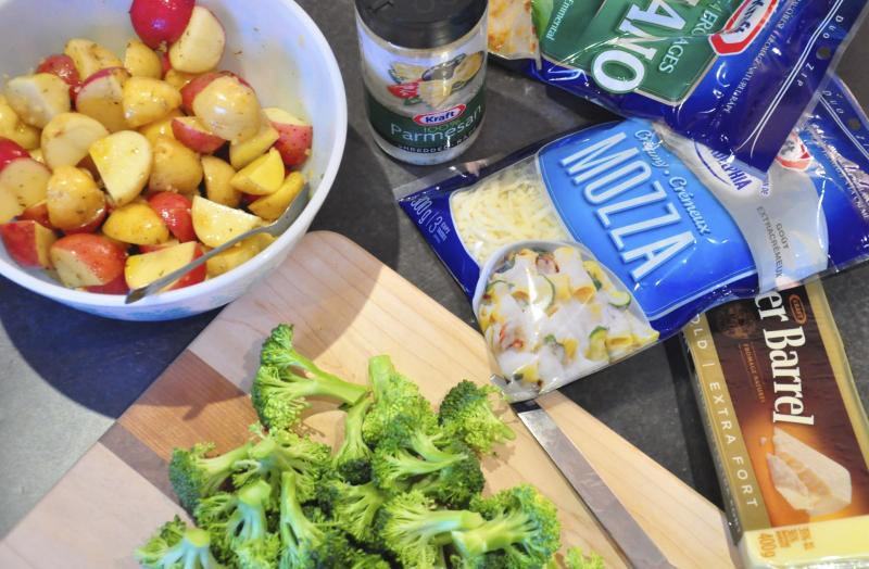 kraft cheese, kraft cheesefest, kraft recipes, Kraft Canada, cheese, best fondue recipe, Cheese Fondue, easy fondue recipe, fondue, family night, cooking with kids, cooking with cheese, fun meals, Around The Table, katja wulfers