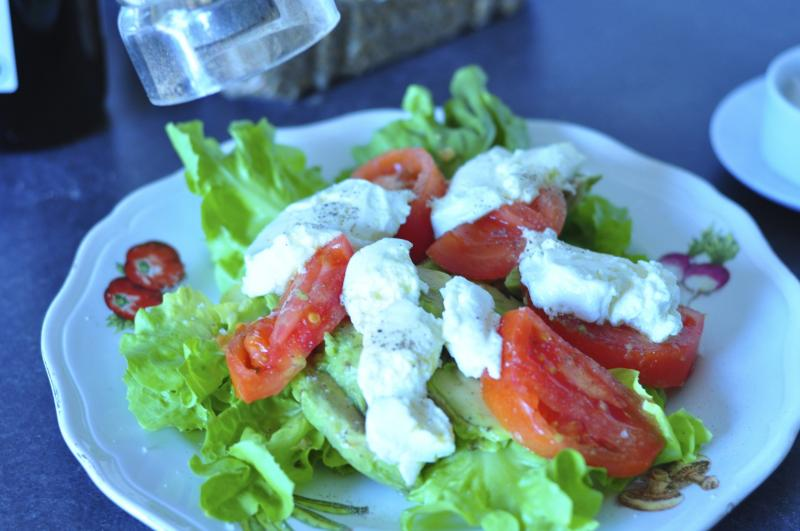 avocado salad, avocado recipes, avocados, escarole, salad ideas, different salads, easy salad recipes, tomato salad recipes, tomatoes, sunflower seeds, goat cheese, goat cheese recipe, healthy meal ideas, easy recipes, katja wulfers, Around The Table