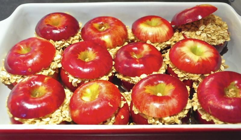 baking with apples, cooking with apples, apples, baking, best apple crisp recipe, apple crumble recipe, best apple recipes, easy dessert ideas, easy dessert recipes, apple dessert, dessert, best thanksgiving recipes, holiday desserts, family dinners, katja wulfers, Around The Table