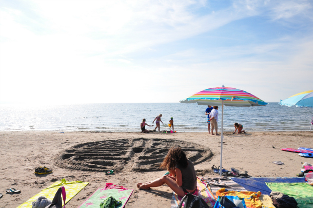 No one ever goes home from the beaches in Ontario's Southwest bored or hungry. Learn why with these 10 activities that will keep families happy and coming back. | YMCTravel | YummyMummyClub.ca