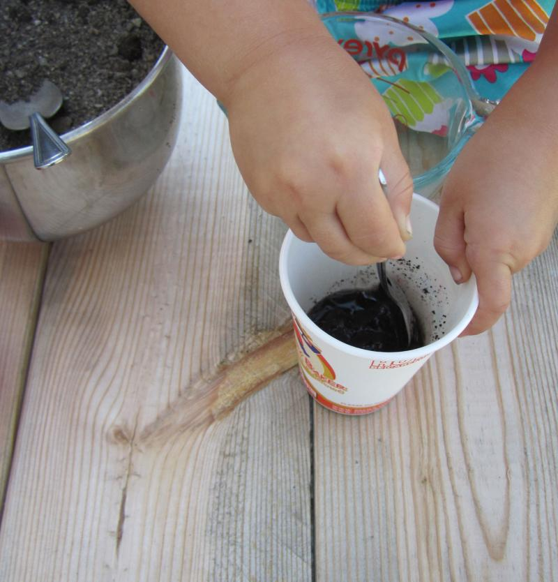 Just add water to dirt for a terrific natural paint.