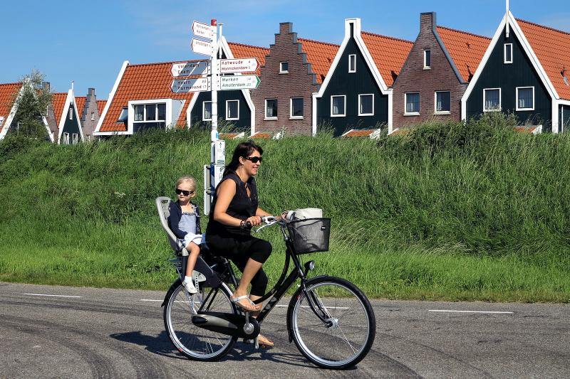 Don't Worry, Be Dutch: Have the Dutch discovered the secret to happiness? It sure looks like it | Parenting | YummyMummyClub.ca