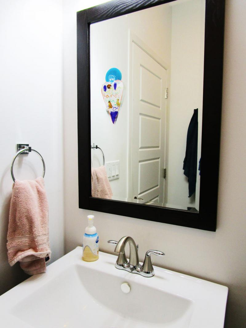 Display kids art on bathroom mirrors with Elmer's Freestyle.